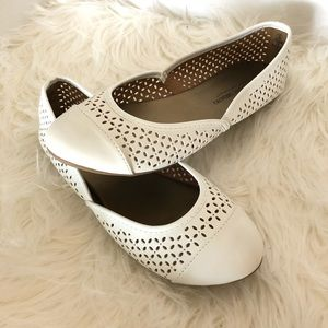 NWOB Christian Siriano perforated flats